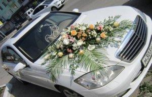 оформление машин, цветочный дизайн, оформление машин цветам, оформление свадебного кортежа