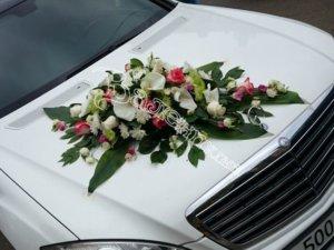 оформление свадебного кортежа, оформление свадебных машин, игрушки из цветов