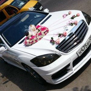 оформление свадебного кортежа, оформление свадебных машин, машины на свадьбу