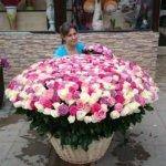 букет девушке, цветы в Махачкале, подарить цветы