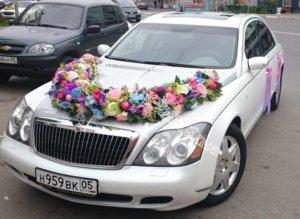оформление машин, цветочный дизайн, оформление свадебного кортежа