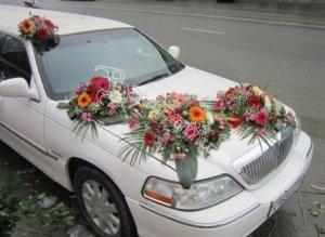 оформление машин цветам, оформление свадебного кортежа, оформление машин