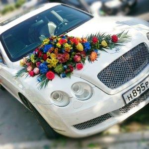 оформление машин цветам, оформление свадебных машин, свадьба
